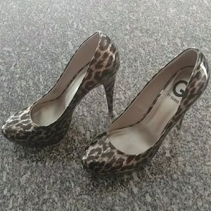 Guess shoes 9 1/2